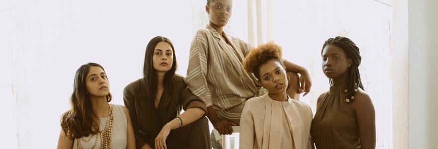 femmes africaines pour mettre mettre en valeur la robe africaine